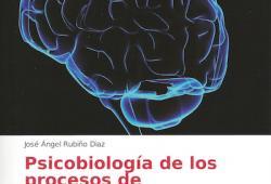 José Ángel Rubiño dóna a la biblioteca del COPIB un exemplar del seu llibre 'Psicobiología de los procesos de consciencia'