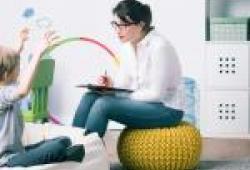 Documentación en el sitio web de la Vocalía de Psicología Educativa: Guías con orientaciones para el profesorado y familias para el manejo de situaciones de confinamiento