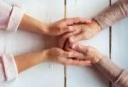 Vocalia d'Envelleiment Document d'interès. Declaració en favor d'un necessari canvi en el model de cures de llarga durada del nostre país