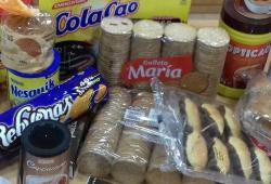 El COPIB lliura a l'Associació Tardor els productes de la recollida solidària