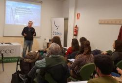 Professionals de la psicologia d'Eivissa i Formentera aprofundeixen en els detalls de la intervenció presencial i telefònica en un intent de suïcidi