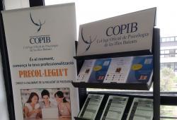 El COPIB informa l'alumnat i al professorat de la Facultat de Psicologia de la UIB sobre les últimes novetats formatives i activitats que promou