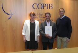 COPIB i Sonrisa Médica renoven la seva col·laboració per a implementar el pla d'atenció psicològica a l'equip de professionals de l'associació