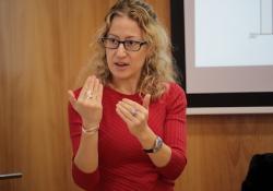 La biblioteca del COPIB incorpora el cuento 'Los Pájaros Arcoíris' de Olga Barroso